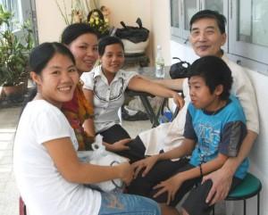 Cha Phung va cac ban tre Xa Que