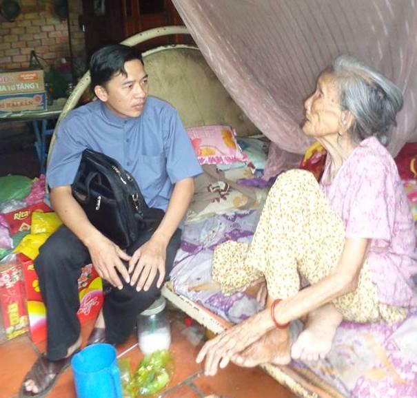 Linh mục Việt Nam sống nghèo và sống vì người nghèo, khó lắm chăng ?